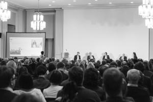 Lebendige Diskussion zu Fragen der Bildung in der digitalen Arbeitswelt (© Bayerische Akademie der Wissenschaften)